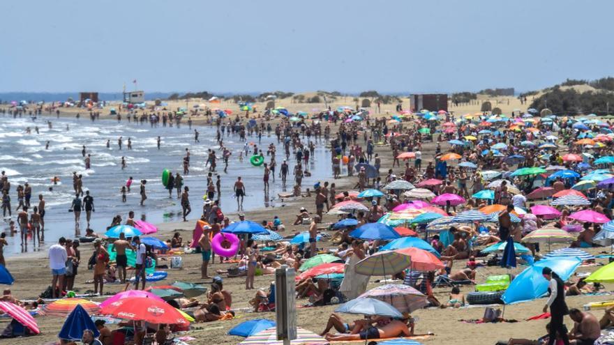 El aviso naranja por altas temperaturas se extiende a toda Canarias