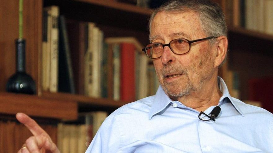 Mor Alberto Oliart, exministre de Defensa
