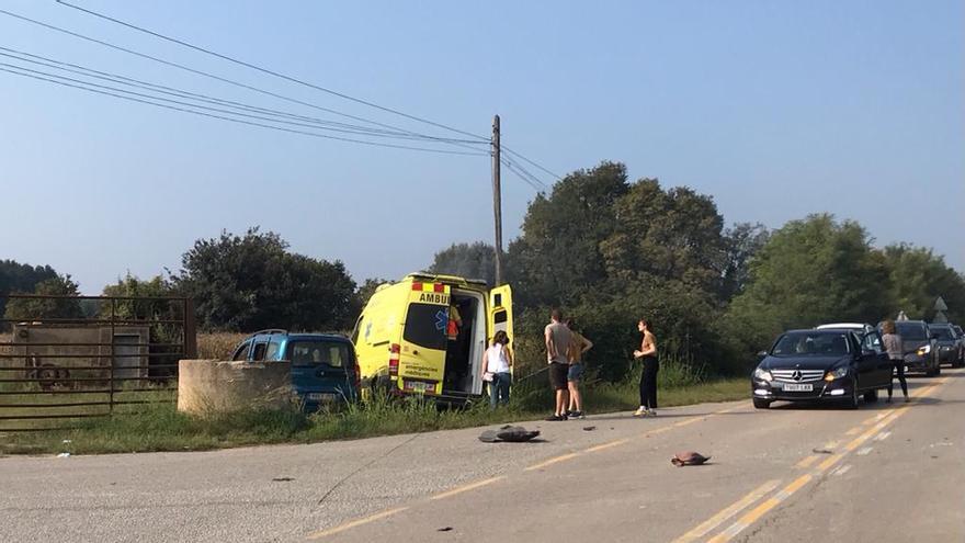 Tres ferits en un xoc entre una ambulància i un turisme a Cervià de Ter