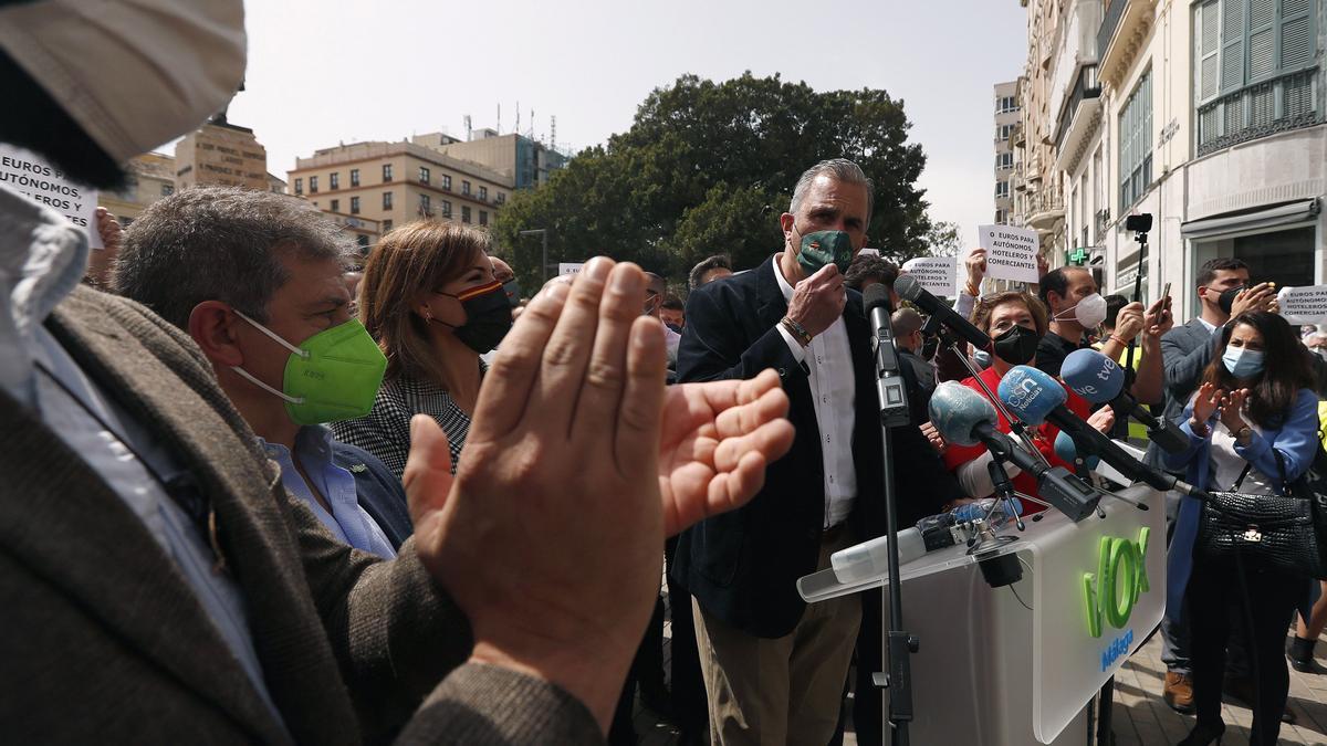 Vox reúne a 150 personas en un acto en el centro de Málaga