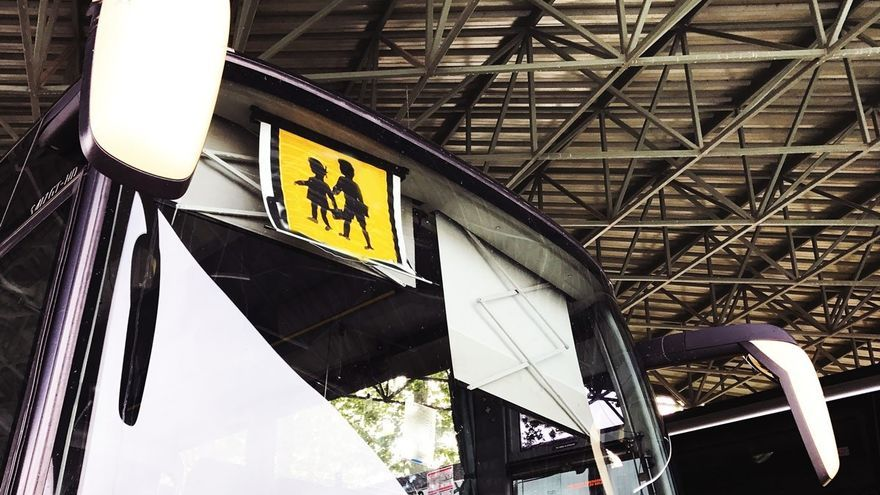 El transporte escolar funcionará con normalidad en Canarias de este lunes