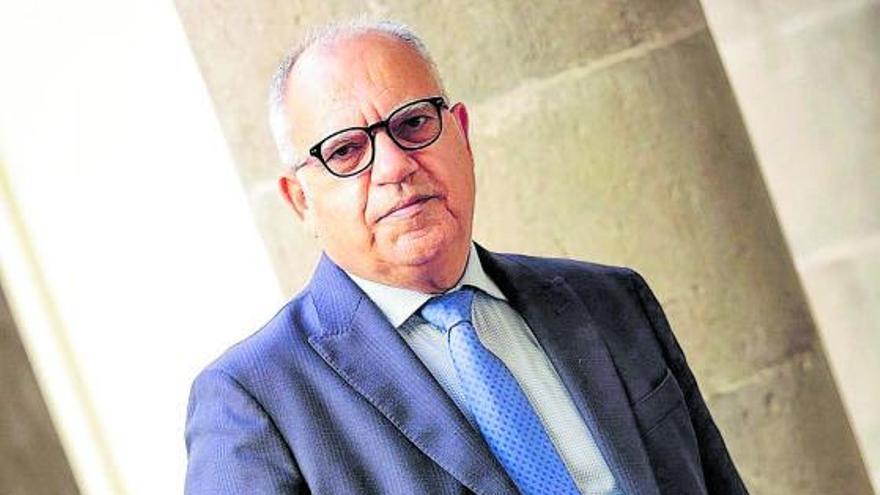 «El PSOE tendría un enorme desgaste y difícil justificación si pacta con CC»