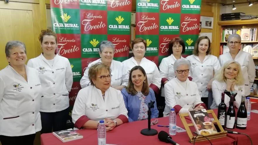 """La """"Comisión de los Ocho"""", María Neira y las Guisanderas de Asturias, medallas del Principado del 2021"""