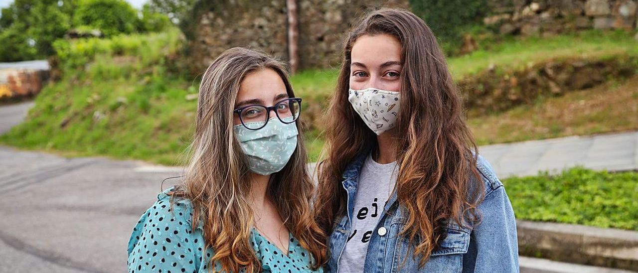 Marta y Mónica Rodríguez, vecinas de Mos.