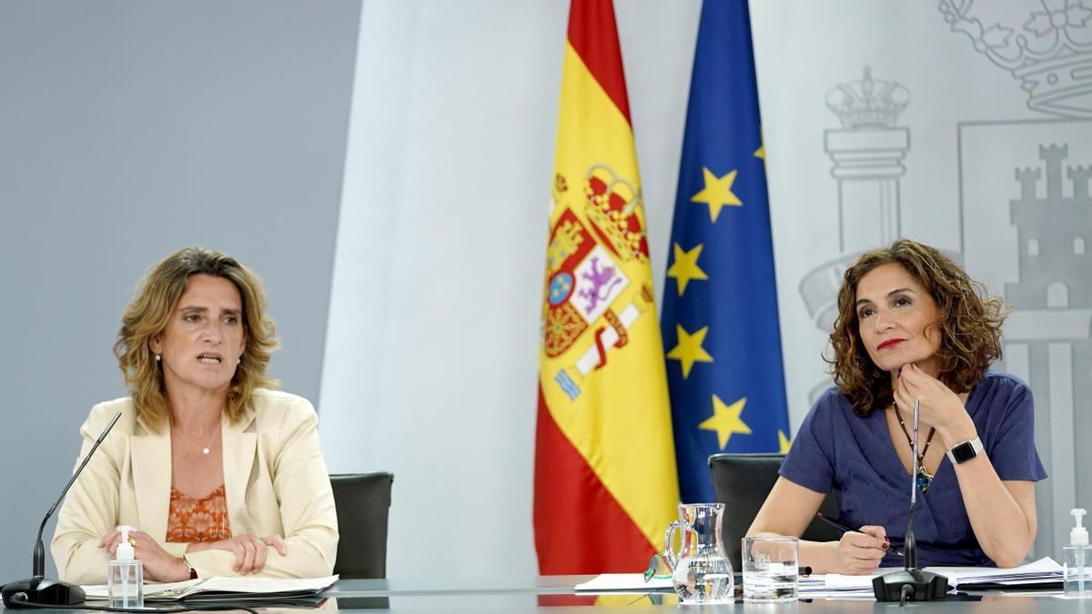 Teresa Ribera y María Jesús Montero.