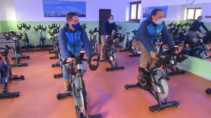 Nuevos equipamientos cardiovasculares en el polideportivo municipal de Cangas de Onís