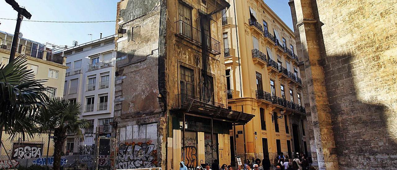 La actuación en la antigua Casa del Relojero parece volver a atascarse.   M.A.MONTESINOS