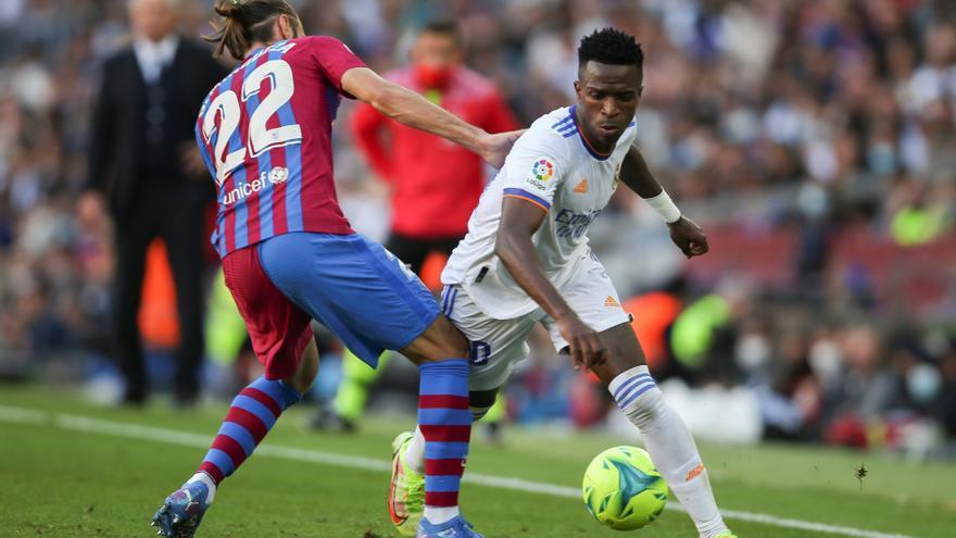 El Real Madrid sale fortalecido y la Real Sociedad aguanta el pulso