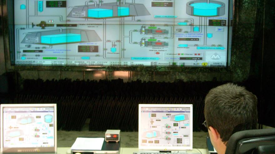 La gestión digital de datos permite a Aguas prever el día de máximo consumo de agua de 2021 en Alicante