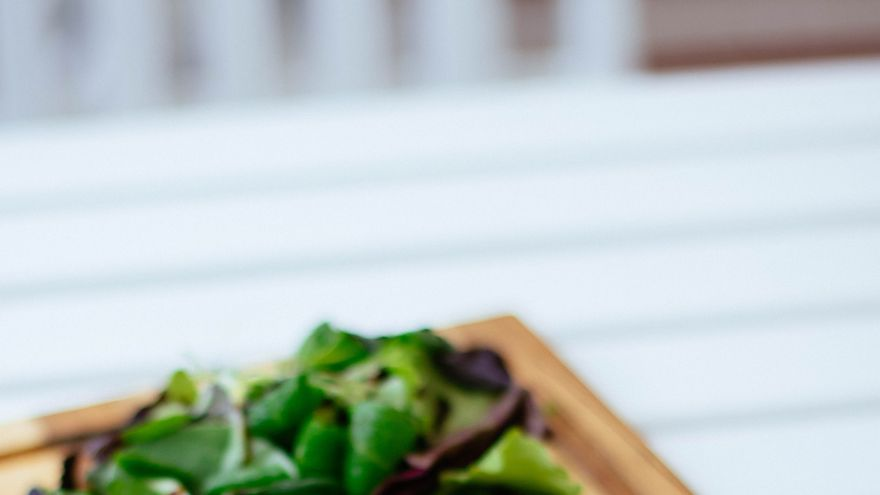 Un estudio asocia una dieta rica en alimentos de origen animal, alcohol y azúcar con un microbioma intestinal inflamado