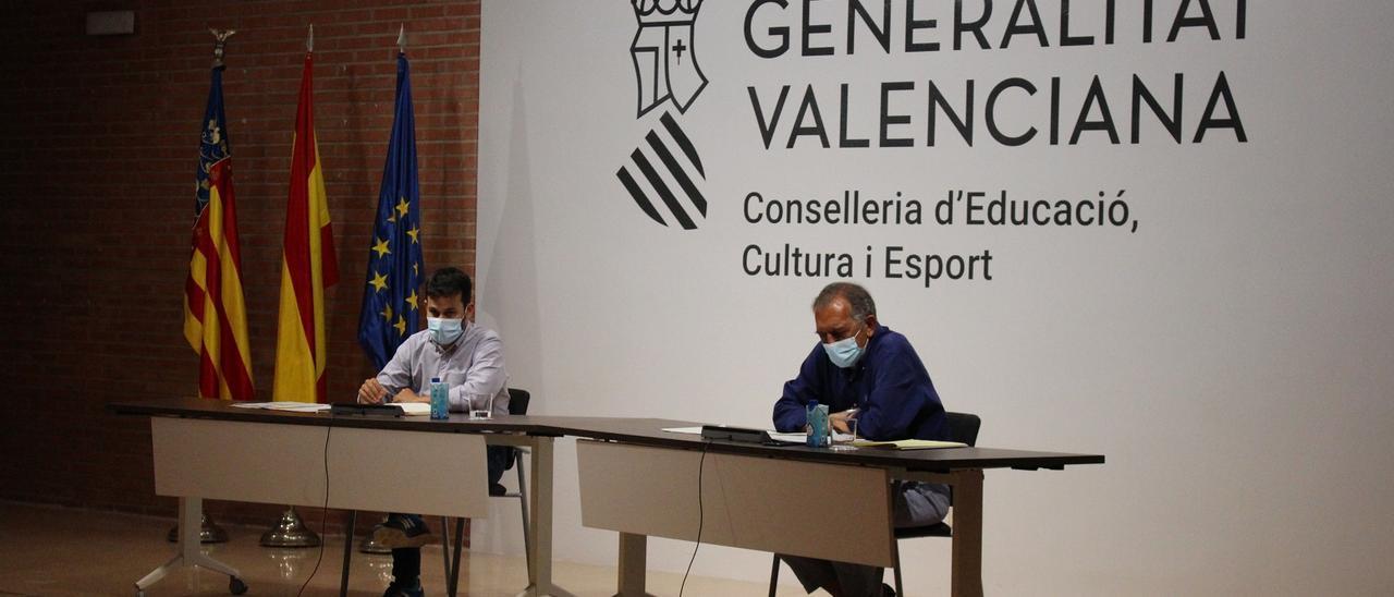 El conseler de Educación, Vicent Marzà, y el secretario autonómico, Miguel Soler