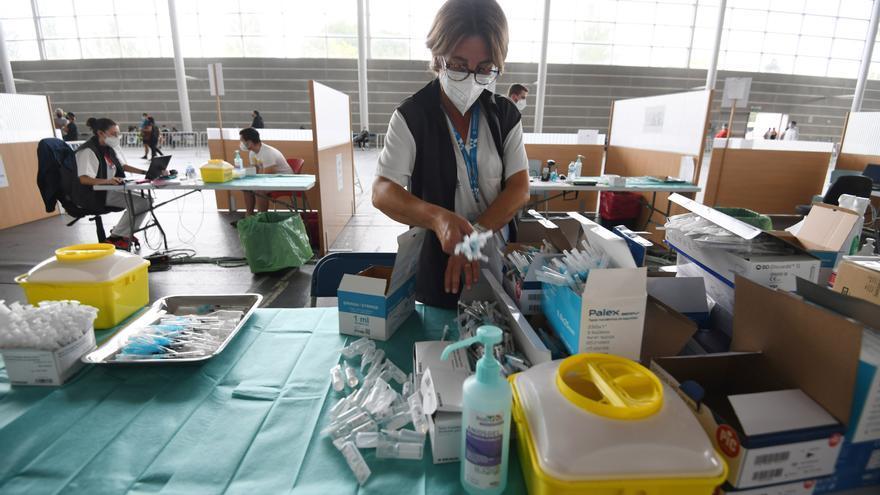 El área sanitaria de Pontevedra baja de los cien casos activos de COVID pese a detectarse seis nuevos contagios
