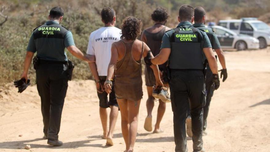 73 detinguts i 13 ferits en una festa il·legal a Eivissa