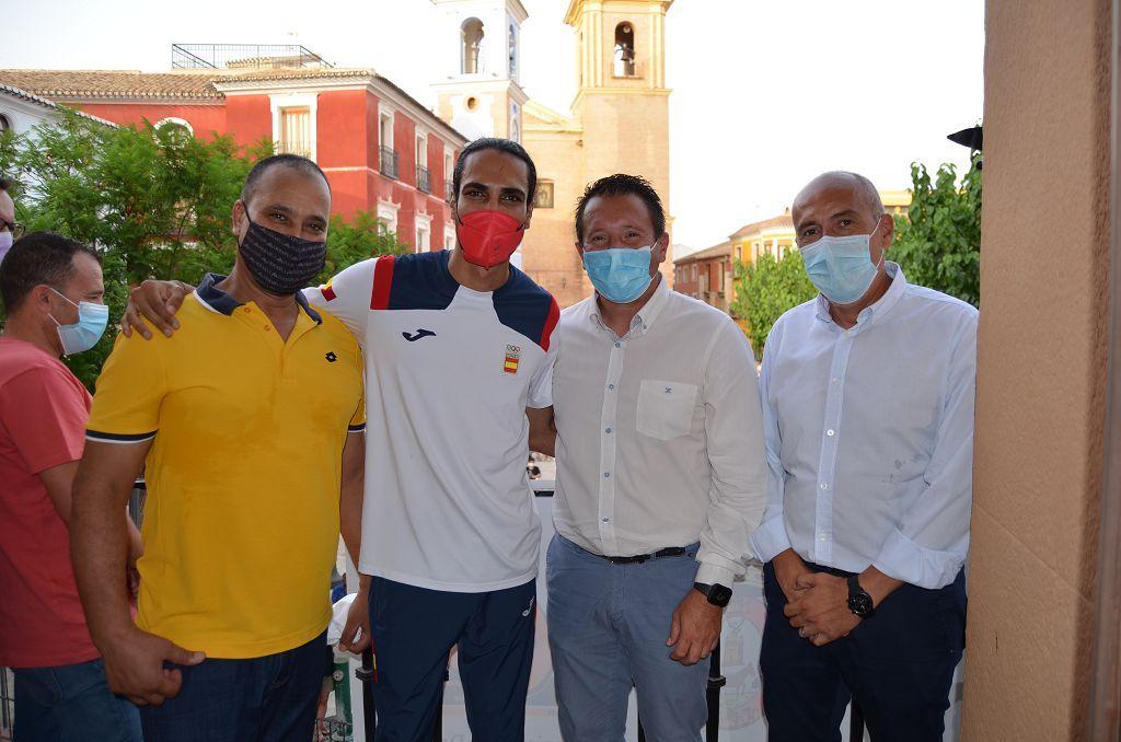 Mohamed Katir es recibido en Mula
