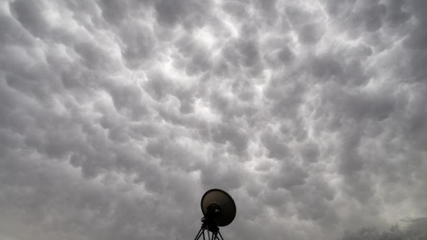 Cielo más nublado en el oeste con algunas lluvias débiles