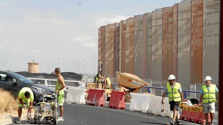 Letzte Bauarbeiten und Verkehrschaos: Blick ins neue Einkaufszentrum FAN