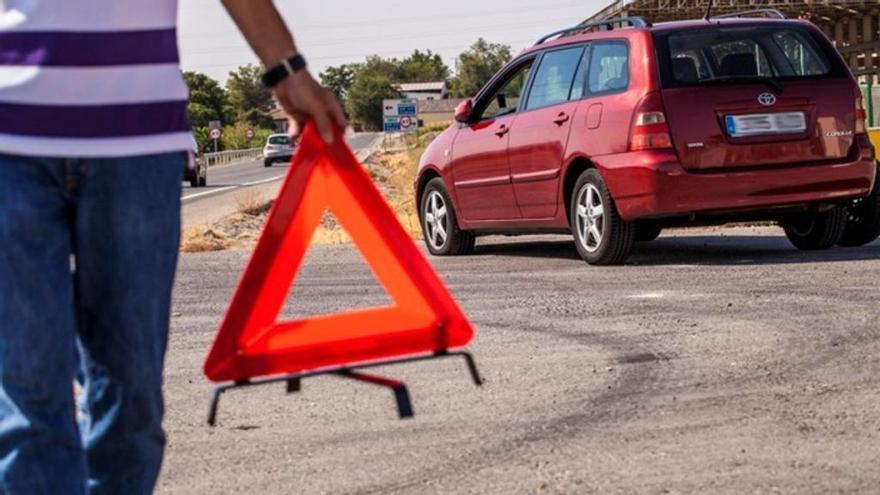 Llevar esto en el coche te puede salvar la vida en la carretera