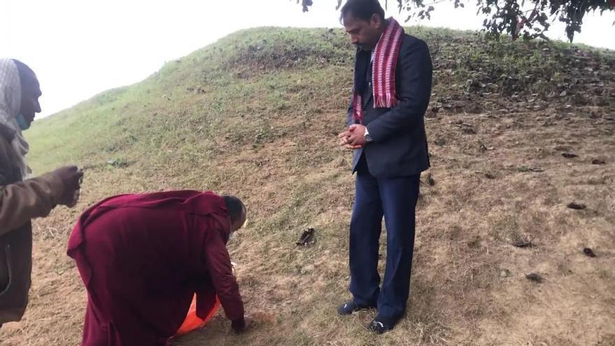 Cáceres trabaja por el centro budista