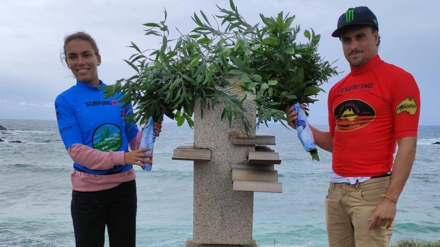 La cita del surf en Tapia supera las expectativas tras un año de parón