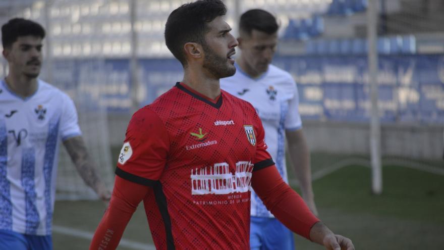 El Mérida se queda con Nacho González y no continuará Carlos Selfa