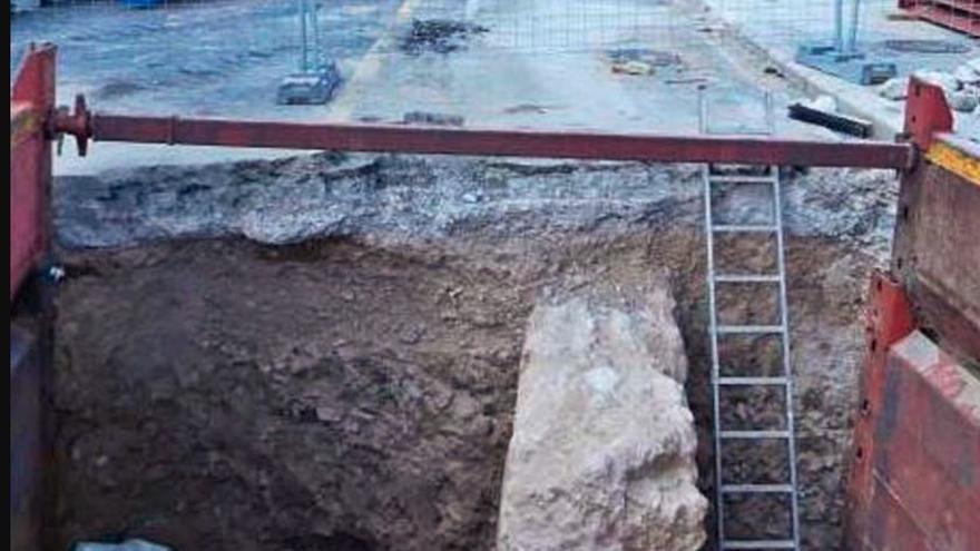 La muralla del siglo XIV sale de nuevo a la luz en las obras del paseo de la Ciudadela