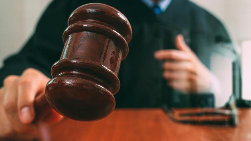 El Ejecutivo regional aprueba 5,5 millones para agilizar la justicia gratuita