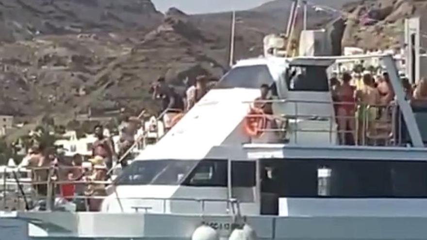 """""""Duras"""" multas a las fiestas que se salten los protocolos de seguridad en Canarias"""