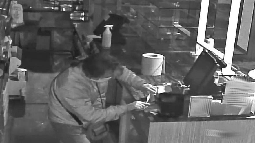 La Policía detiene a tres ladrones por robos en establecimientos de Palma
