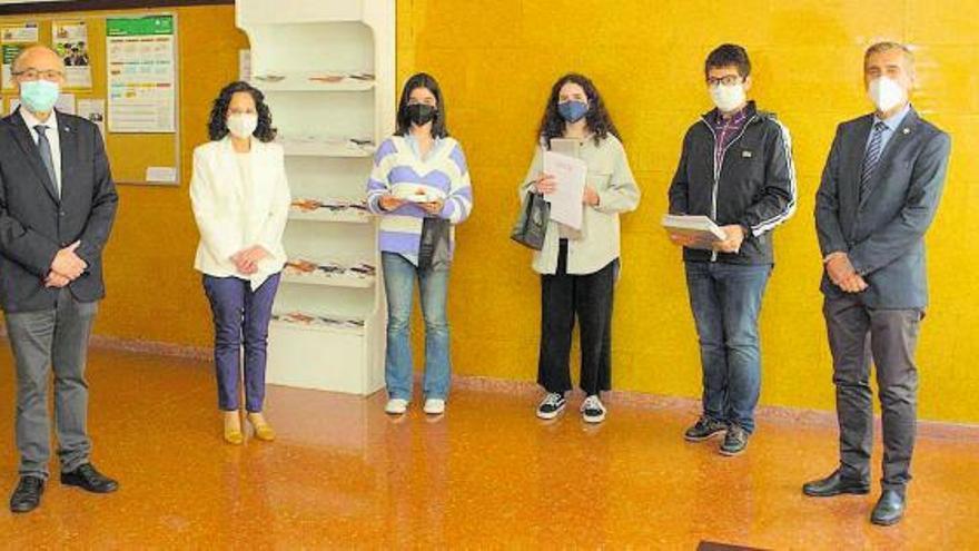 El Aramo, cantera de químicos: los alumnos del instituto copan el podio de la Miniolimpiada
