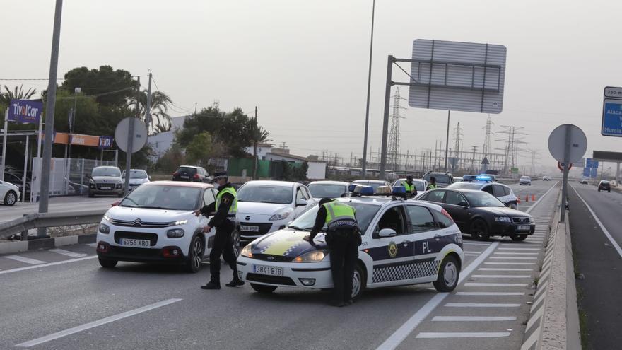 Segundo cierre perimetral en Elche: refuerzo policial contra las fugas y máxima atención en la conexión con Santa Pola