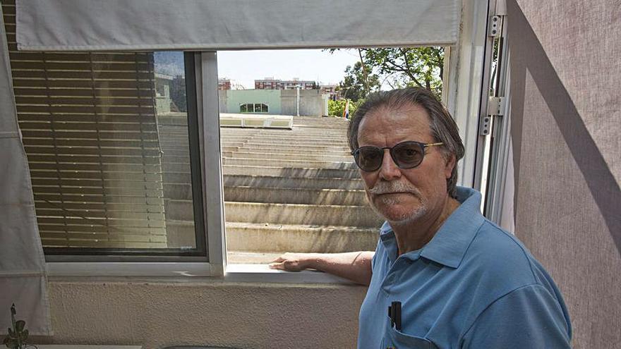 La retirada del amianto en seis colegios de Alicante deja a cuatro conserjes sin vivienda