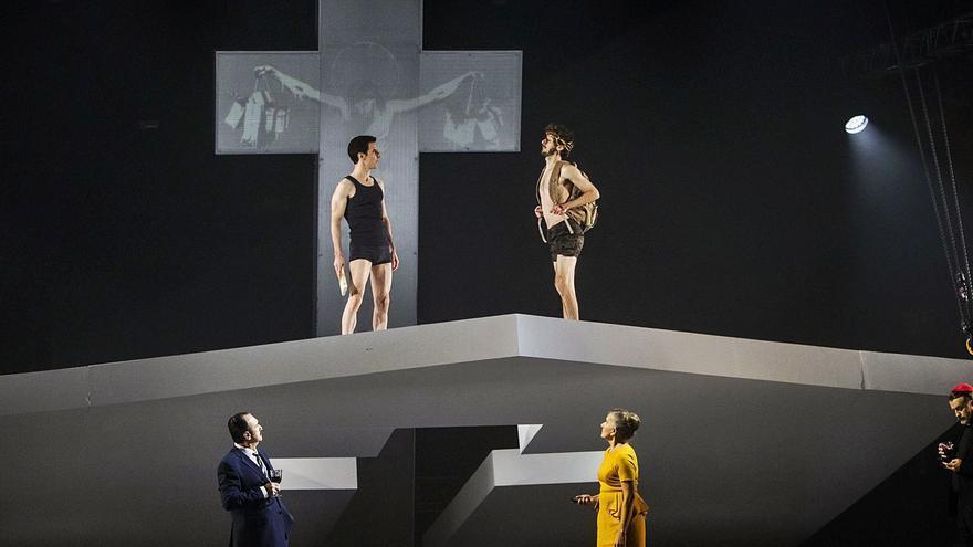 «Poder i santedat», teatro de la libertad