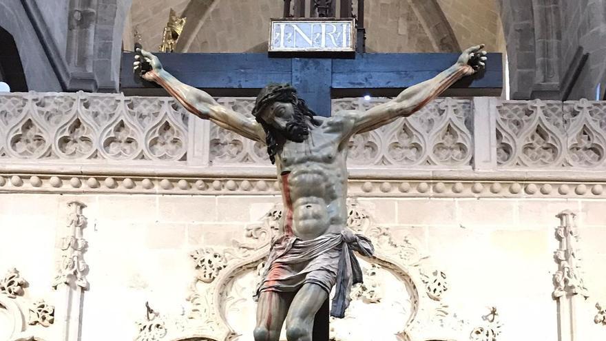 El Cristo de las Injurias, en el interior de la Catedral de Zamora.