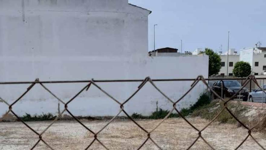 San Fulgencio sanciona a 31 propietarios de solares al no mantenerlos en las condiciones adecuadas