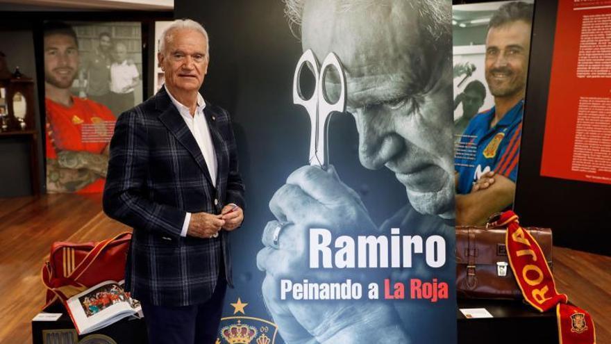 Ramiro Fernández presenta su libro sobre la selección española de fútbol
