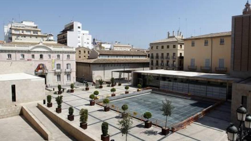 La Plaza de la Almoina y la de Campanar ya son de propiedad municipal