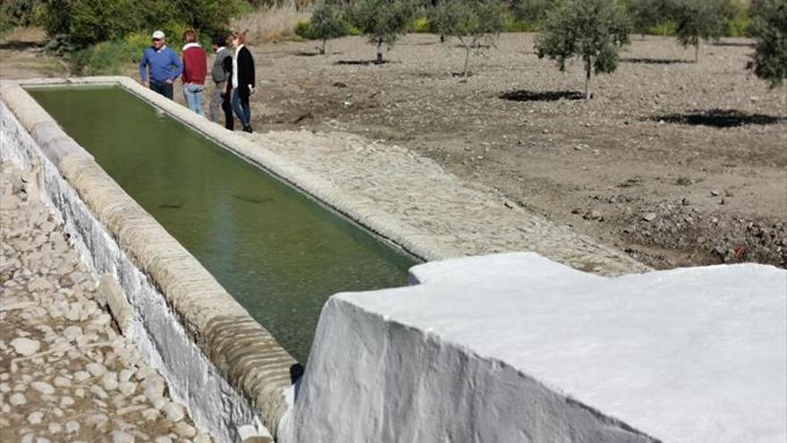 Finalizan los trabajos de limpieza y empedrado en la Fuente de Teba