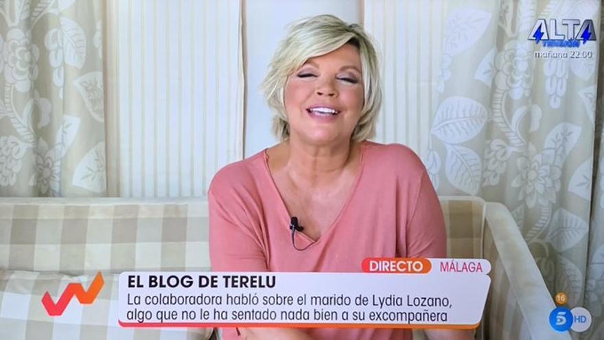"""Sorpresa por el sofá de Terelu Campos: """"¿Pero cuántísima mierda tiene?"""""""