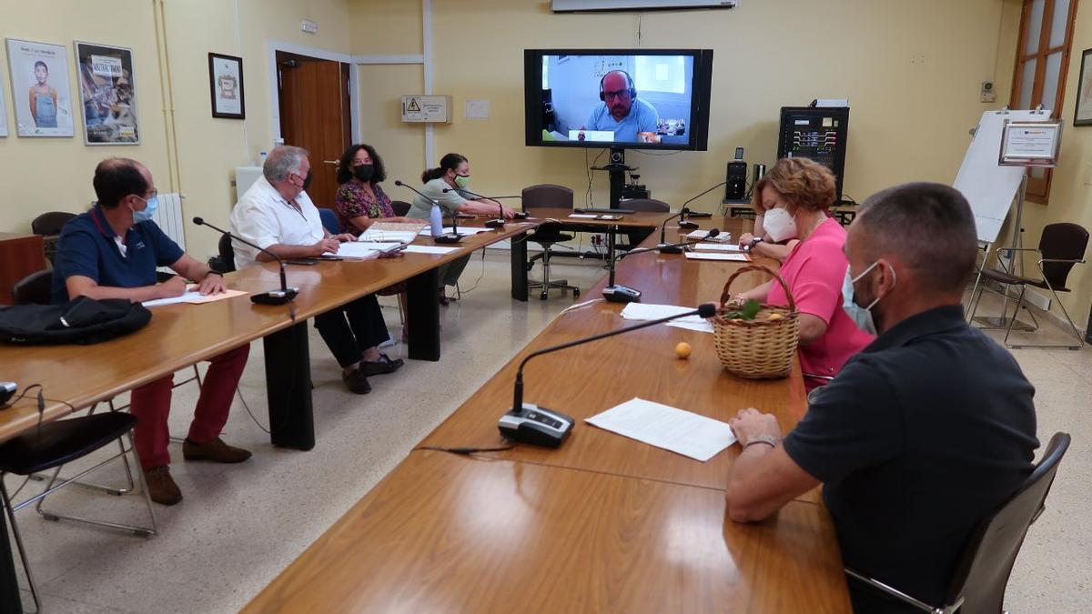 Una imagen de la reunión de la comisión de alimentos tradicionales de Balears, este martes.