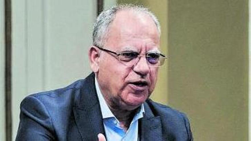 Casimiro Curbelo en el Parlamento. | | PEPE TORRES