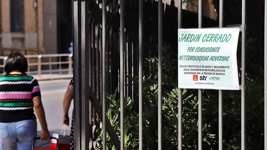 El Ayuntamiento cerrará parques y jardines ante el calor extremo