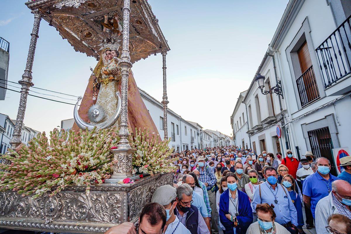 Villanueva de Córdoba acompaña a la Virgen de Luna a La Jara