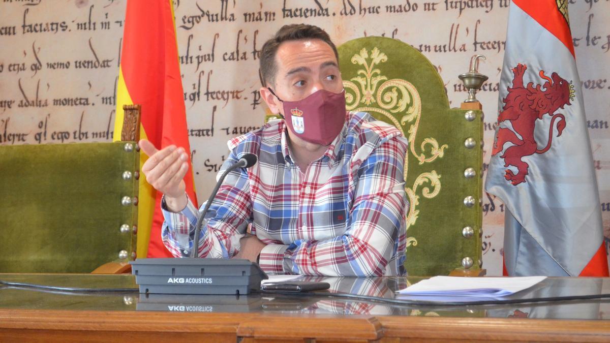 Alcalde de Benavente, Luciano Huerga. / E .P.
