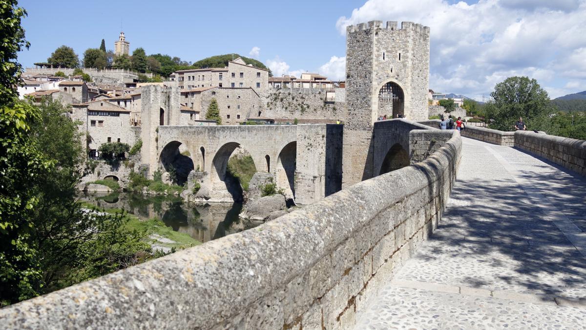 Pla general del pont medieval de Besalú