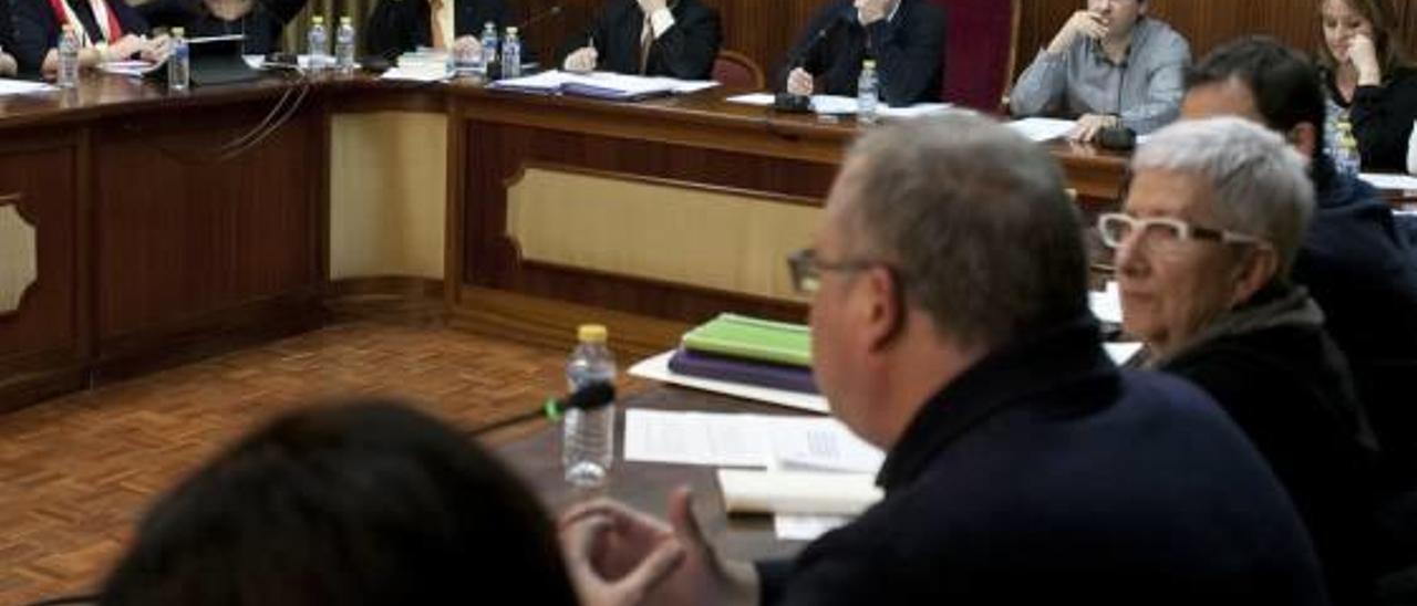 Un pleno del consistorio de Xàtiva celebrado en diciembre.