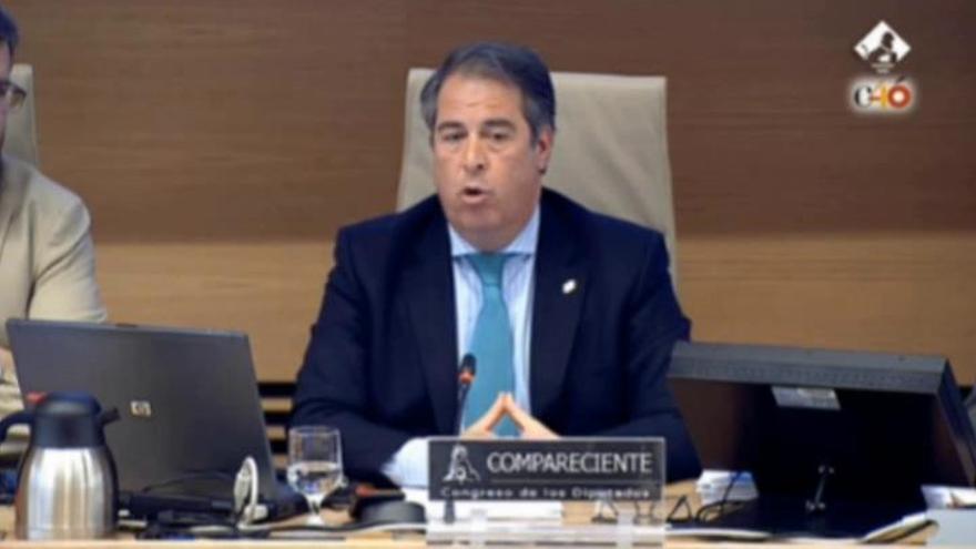"""El director de la DGT admite """"errores"""" en el caos de la AP-6 y prevé sanciones a Abertis"""