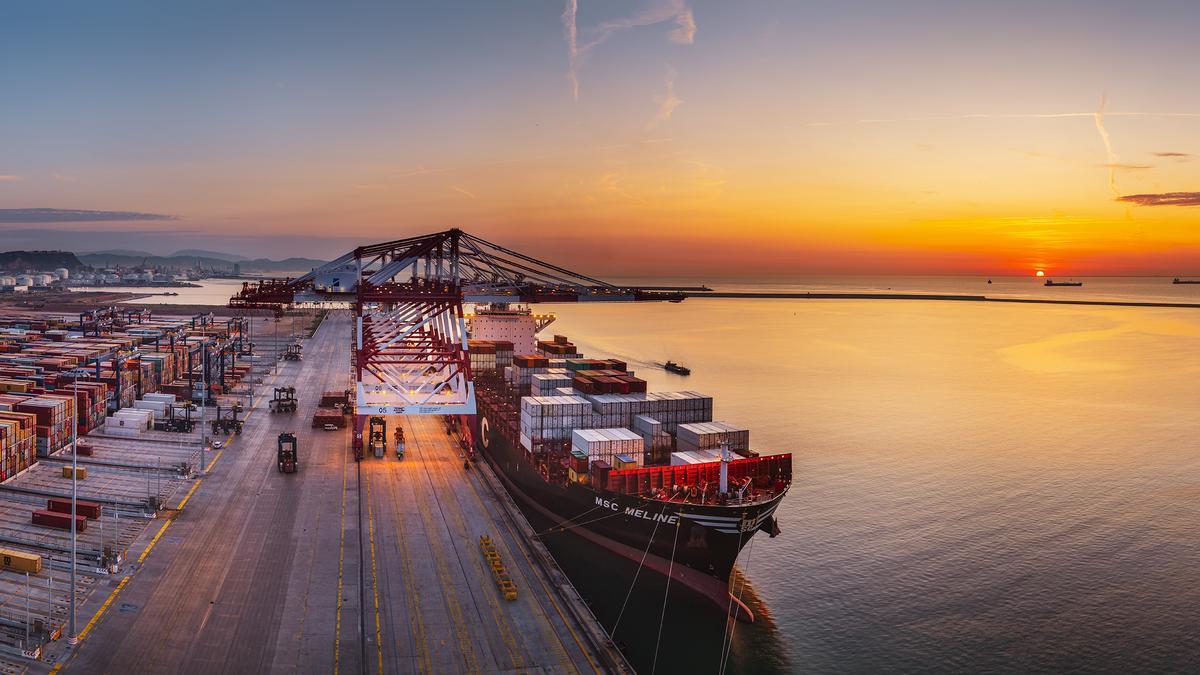La alianza logística entre el Puerto de Barcelona y Aragón hacen posible que sea el puerto de referencia de las empresas aragonesas.