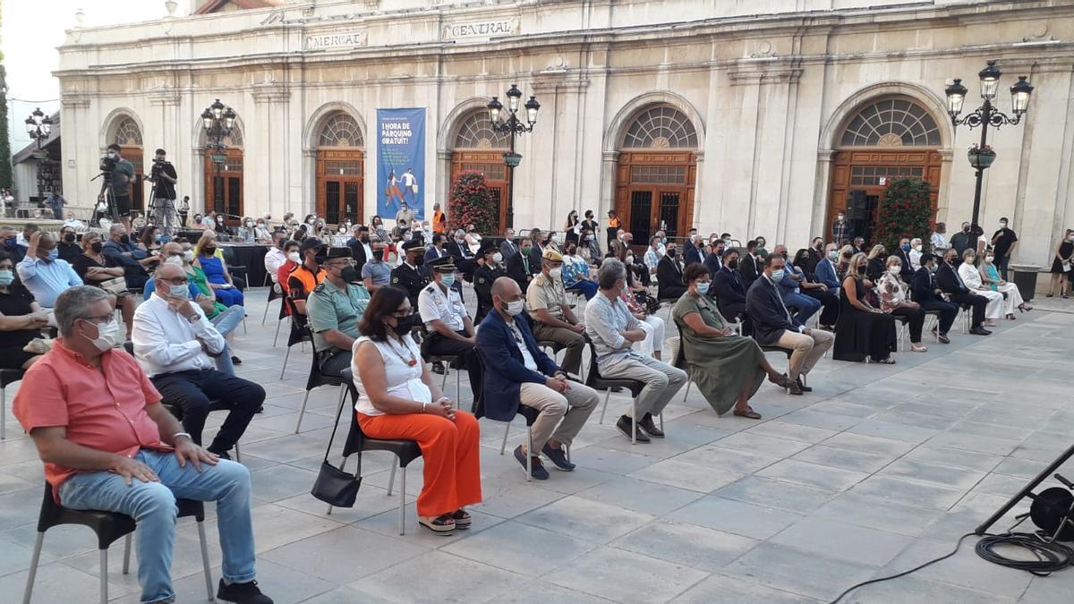 Acto de homenaje a las víctimas del coronavirus en Castelló.