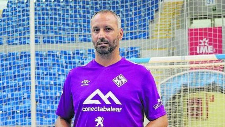 """Antonio Vadillo: """"Es preferible recibir al Barça en la primera jornada"""""""