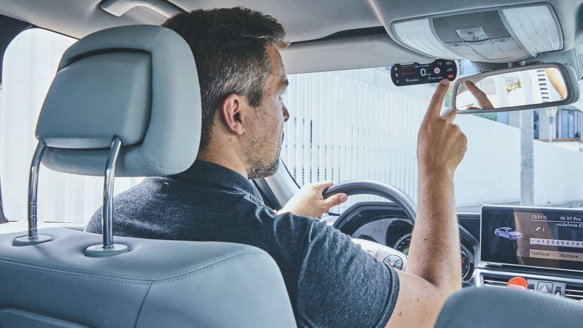 Hello Auto Flex es el seguro de coche por días que permite pagar solo por lo que se conduce